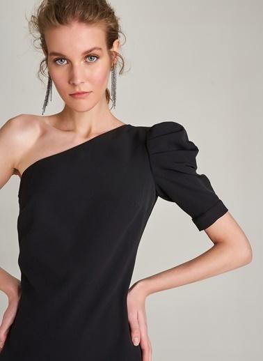NGSTYLE Tek Kol Detaylı Elbise Siyah